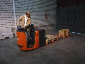 Ejercicio de recogida de cargas con Recogepedidos de nivel bajo